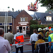 NLD/Huizen/20050908 - Uitslaande brand Dorien Trim en dierenshop Kerkstraat Huizen