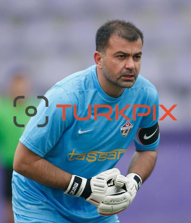 Eyupspor's goalkeeper Murat Sahin during their Turkey Cup matchday 3 soccer match Eyupspor between Eskisehirspor at Eyup Stadium in Istanbul Turkey on Wednesday, 11 January 2012. Photo by TURKPIX