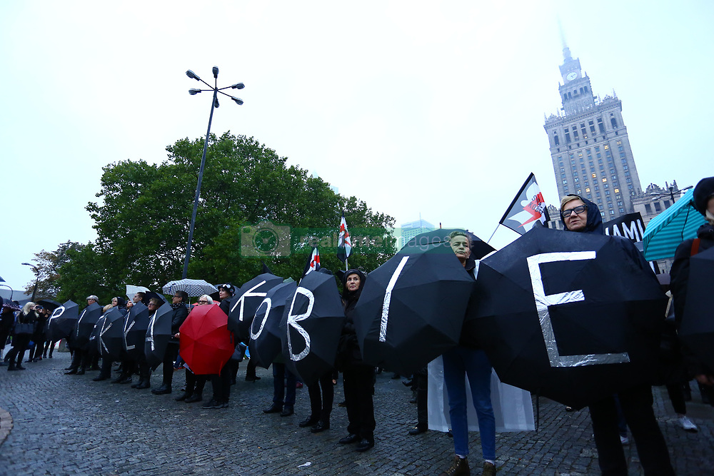 October 3, 2017 - Warsaw, Poland - Mass demonstration for women's rights and against Polish abortion law by governing PiS party (Prawo i Sprawiedliwosc – Right and Justice) moves across center of Warsaw. (Credit Image: © Jakob Ratz/Pacific Press via ZUMA Wire)