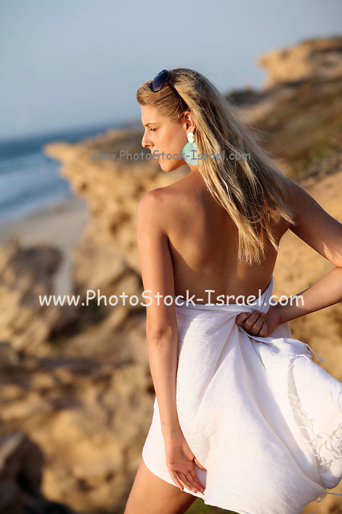 Young woman of 25 on the beach