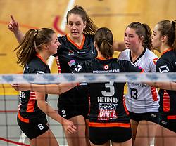 02-02-2019 NED: Regio Zwolle Volleybal - Sliedrecht Sport, Zwolle<br /> Round 16 of Eredivisie volleyball - Sliedrecht win the match 3-2 / Lotte Groninger #9 of Zwolle, Siska Hoekstra #2 of Zwolle, Bjorna Gras #13 of Zwolle, Nova Marring #6 of Zwolle