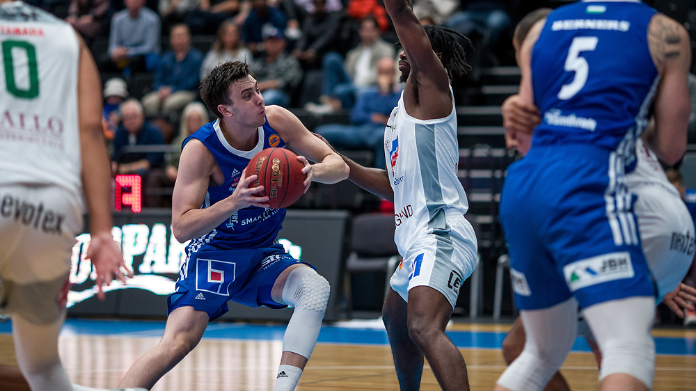 ÖSTERSUND 20210924<br /> Jämtlands Daniel Johansson under fredagens match i Basketligan mellan Jämtland Basket och Nässjö Basket i Östersunds Sporthall<br /> <br /> Foto: Per Danielsson/Projekt.P