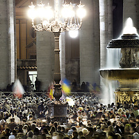 Vatican, 31 March 2005<br /> Thousands gathered to pray for Pope John Paul II in St. Peter's square.<br /> Photo: Ezequiel Scagnetti