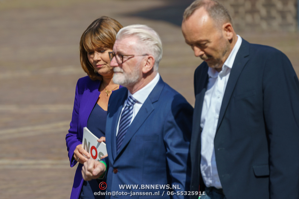 NLD/Den Haag/20180831 - Koninklijke Willems orde voor vlieger Roy de Ruiter, Astrid Kersseboom, Tommy Byrne en defensiedeskundige  Christ Klep