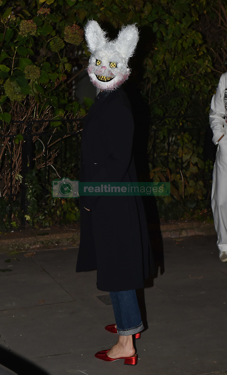 EXCLUSIVE: Victoria Beckham is seen out in Notting Hill trick or treating for halloween with children Brooklyn Beckham, Romeo Beckham, Cruz Beckham & Harper Beckham. The gang were seen walking the streets with Gillian Anderson and boyfriend Peter Morgan. 31 Oct 2018 Pictured: Victoria Beckham ,Brooklyn Beckham, Romeo Beckham, Cruz Beckham & Harper Beckham, Gillian Anderson, Peter Morgan. Photo credit: Neil Warner/MEGA TheMegaAgency.com +1 888 505 6342