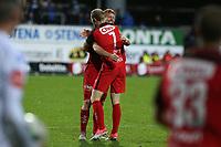 Fotball , 28. oktober 2017 , Eliteserien, Haugesund - Brann.<br />Peter Larsen og Sivert Nilsen fra Brann etter kampen mot Haugesund.<br />Foto: Andrew Halseid Budd , Digitalsport
