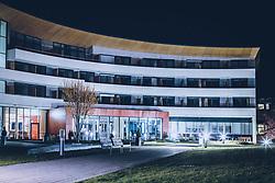 THEMENBILD - die beleuchtete Tauern SPA bei Nacht mit einem Tilt & Shift Objektiv aufgenommen am 15. April 2020 in Kaprun, Oesterreich // the illuminated Tauern SPA Kaprun at night taken with a Tilt & Shift lens in Kaprun, Austria on 2020/04/15. EXPA Pictures © 2020, PhotoCredit: EXPA/ JFK
