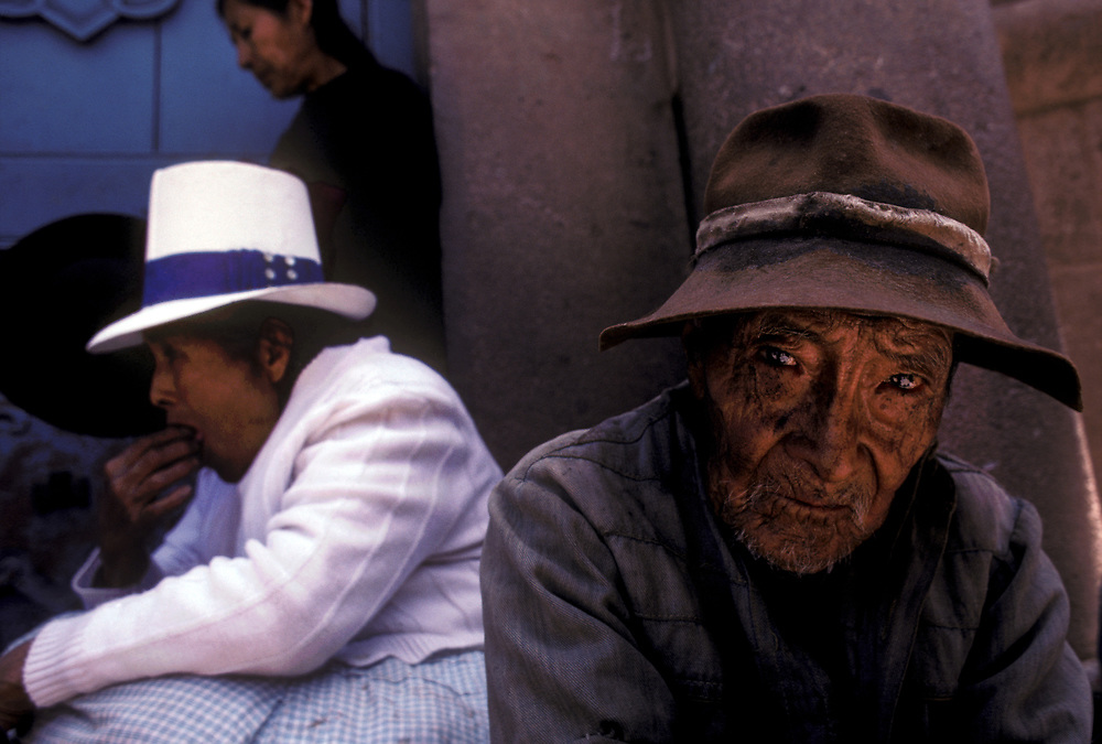 Churchgoers on Sunday, Cuzco cathedral, Cuzco department, Peru