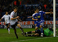 Photo: Steve Bond/Sportsbeat Images.<br /> Leicester City v West Bromwich Albion. Coca Cola Championship. 08/12/2007. Zoltan Gera (L) turns away as the ball hits the back of the net