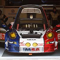 #67 Porsche 911 GT3 RSR, Imsa Performance Matmut, LM GTE AM, drivers: Gibon, Henzler, Milesi, Le Mans 24H 2013