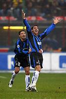 Milano 21/2/2004<br />Milan Inter 3-2<br />L'esultanza di Stankovic e Gonzalez dopo il vantaggio dell'Inter<br />Kili Gonzalez (left) and Dejan Stankovic celebrate goal of 1-0 for Inter scored by Dejan Stankovic<br />Foto Andrea Staccioli Graffiti
