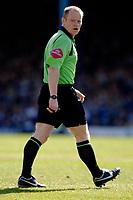 Photo: Daniel Hambury.<br />Southend United v Blackpool. Coca Cola League 1. 08/04/2006.<br />Referee Andy Woolmer.