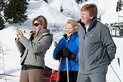 Fotosessie met de koninklijke familie in Lech /// Photoshoot with the Dutch royal family in Lech .<br /> <br /> Op de foto/ On the photo: Koningin Maxima en Koning Willem Alexander met prinses Beatrix ///// Queen Maxima and King Willem Alexander with princess Beatrix