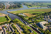Nederland, Utrecht, Gemeente Vianen, 30-09-2015; rivier de Lek en sluis bij ingang Merwedekanaal. Lekkanaal en Beatrixsluis in de verte.<br /> <br /> River Lek and lock entering Merwede canal.<br /> luchtfoto (toeslag op standard tarieven);<br /> aerial photo (additional fee required);<br /> copyright foto/photo Siebe Swart