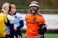LAREN -  Hockey Hoofdklasse Dames: Laren v Pinoké, seizoen 2020-2021. Foto: Karlijn Adank (Laren, keeper) boos op de scheidsrechter