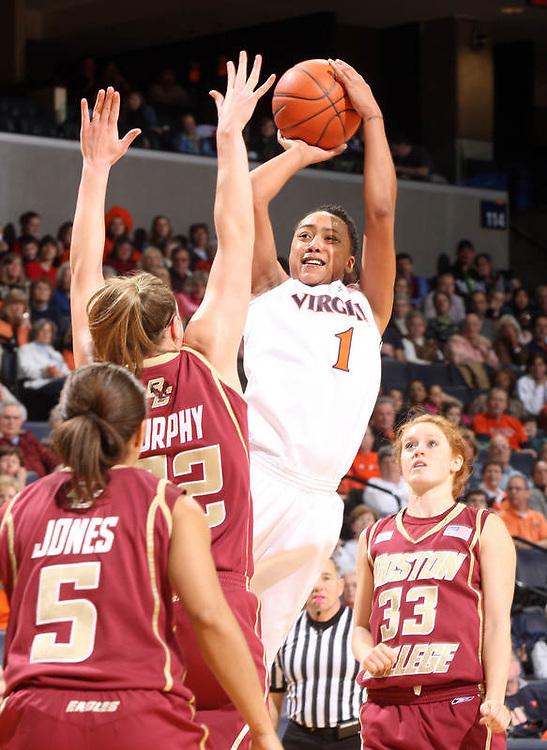 UVa women's basketball player Lyndra Littles at the University of Virginia in Charlottesville, Virginia. Photo/Andrew Shurtleff.