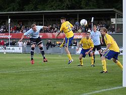 FODBOLD: Casper Sørensen (Helsingør) header bolden i mål til 3-1 under opvisningskampen mellem Elite 3000 Helsingør og Brøndby IF den 16. juni 2010 på Helsingør Stadion. Foto: Claus Birch