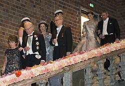 Odile Belmont, Kˆnig Carl XVI Gustaf, Kˆnigin  Silvia, Carl-Henrik Heldin, Kronprinzessin Victoria, J. Michael Kosterlitz <br /> <br />  <br /> <br />  beim Nobelbankett 2016 im Rathaus in Stockholm / 101216 <br /> <br /> <br /> <br /> ***The Nobel banquet, Stockholm City Hall, December 10th, 2016***
