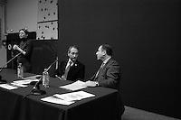 Bertrand  Delanoë (maire de Paris de 2001 à 2014) - avec Pierre Castagnou - donne un compte-rendu de son mandat, Paris 14ème / 2004.