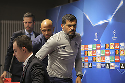 October 17, 2017 - Na - Leipzig, 10/16/2017 - Training to adapt to the pitch of the Fc Porto team at the Red Bull Arena, in anticipation of the game against RB Leipzig for the Champions League. Sérgio Conceição, Brahimi  (Credit Image: © Atlantico Press via ZUMA Wire)