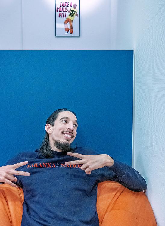 Nederland. Amsterdam, 22-11-2019. Photo: Patrick Post. Portret van Ismail Ilgun, van overlastgevende hangjongere in Zaandam naar jongerenwerker die serieus met het geloof bezig is.
