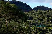 Brumadinho_MG, Brasil...Centro de Arte Contemporanea Inhotim (CACI). Na foto, vista da galeria e obra SOUND PAVILION, de Doug Aitken, inserida na grande area verde do Inhotim...The Inhotim Contemporary Art Center (CACI). In this photo the art SOUND PAVILION, of Doug Aitken...Foto: BRUNO MAGALHAES / NITRO....Foto: Bruno Magalhaes / Nitro