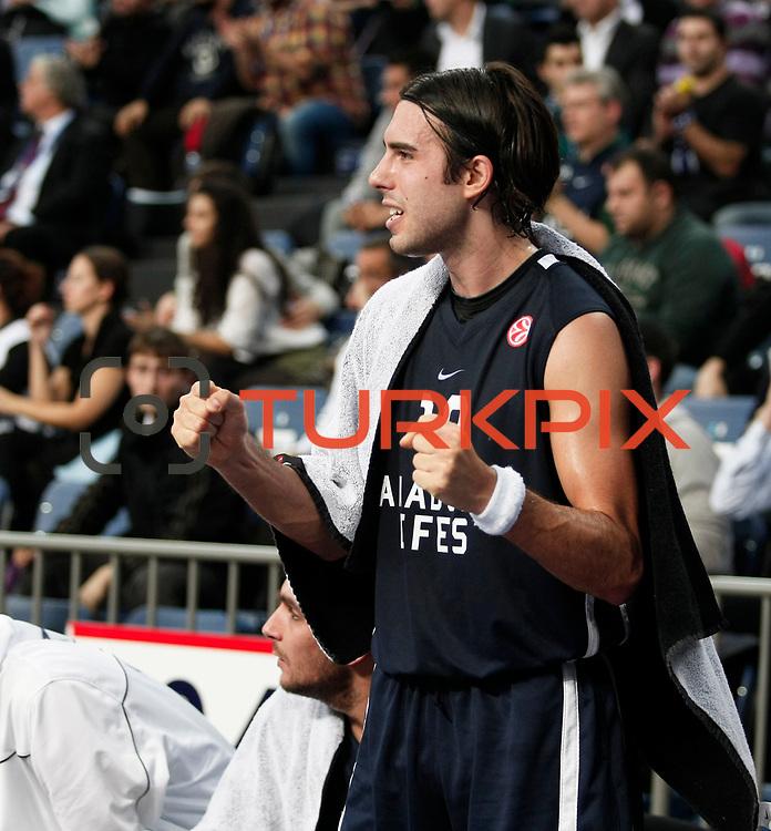Anadolu Efes's Sasha Vujacıc during their Turkish Airlines Euroleague Basketball Group C Game 8 match Anadolu Efes between EA7 Emporio Armani Milan at Sinan Erdem Arena in Istanbul, Turkey, Wednesday, December 07, 2011. Photo by TURKPIX