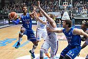 DESCRIZIONE : Cantu, Lega A 2015-16 Acqua Vitasnella Cantu' Enel Brindisi<br /> GIOCATORE : Adrian Banks<br /> CATEGORIA : Tiro sequenza<br /> SQUADRA : Enel Brindisi<br /> EVENTO : Campionato Lega A 2015-2016<br /> GARA : Acqua Vitasnella Cantu' Enel Brindisi<br /> DATA : 31/10/2015<br /> SPORT : Pallacanestro <br /> AUTORE : Agenzia Ciamillo-Castoria/I.Mancini<br /> Galleria : Lega Basket A 2015-2016  <br /> Fotonotizia : Cantu'  Lega A 2015-16 Acqua Vitasnella Cantu'  Enel Brindisi<br /> Predefinita :