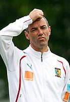 Fotball<br /> Linz Østerrike<br /> Kamerun<br /> 23.05.2010<br /> Foto: Gepa/Digitalsport<br /> NORWAY ONLY<br /> <br /> FIFA Weltmeisterschaft 2010 in Suedafrika, Vorberichte, Vorbereitung Nationalteam Kamerun, Trainingslager. <br /> <br /> Bild zeigt Teamchef Paul Le Guen (CMR).
