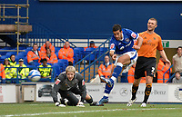 Photo: Ashley Pickering.<br /> Ipswich Town v Wolverhamptopn Wanderers. Coca Cola Championship. 27/10/2007.<br /> Pablo Counago (blue) beats Wolves goalie Wayne Hennessey to score the second goal for Ipswich