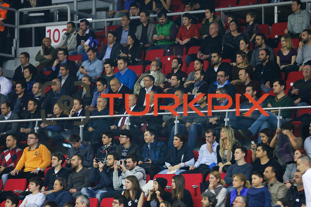 Anadolu Efes's and Olympiacos Piraeus's during their Turkish Airlines Euroleague Basketball Top 16 Round 5 match Anadolu Efes between Olympiacos Piraeus at Abdi ipekci arena in Istanbul, Turkey, Thursday January 29, 2015. Photo by Aykut AKICI/TURKPIX