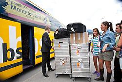 28.05.2010, Flughafen, Innsbruck, AUT, FIFA Worldcup Vorbereitung, Ankunft Spanien, im Bild EXPA Pictures © 2010, PhotoCredit: EXPA/ J. Groder / SPORTIDA PHOTO AGENCY
