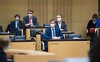 DEU, Deutschland, Germany, Berlin, 12.02.2021: Sachsens Ministerpräsident Michael Kretschmer (CDU) bei der 1000. Plenarsitzung des Bundesrats. Aufgrund der Pandemie müssen alle Teilnehmer medizinische Masken bzw. FFP-2 Masken tragen.