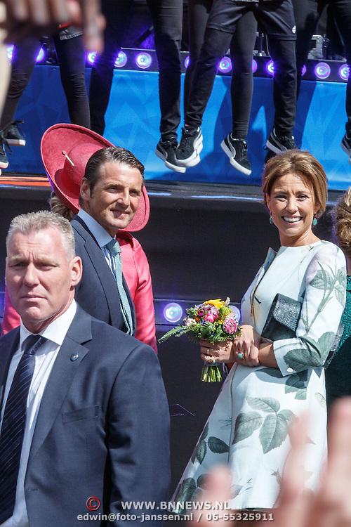 NLD/Dordrecht/20150427 - Koningsdag 2015 in Dordrecht, Maurits en partner Marilene