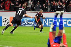 19.10.2011, BayArena, Leverkusen, GER, UEFA CL, Gruppe E, Bayer Leverkusen (GER) vs Valencia CF (ESP), im Bild.Torjubel / Jubel  nach dem 2:1 von Sidney Sam (Leverkusen #18) mit Stefan Kiessling (Leverkusen #11). Diego Alves (Torwart Valencia) ist entaeuscht / entäuscht / traurig..// during the UEFA CL, group E, Bayer 04 Leverkusen (GER) vs Valencia CF (ESP) on 2011/10/19, at BayArena, Leverkusen, Germany. EXPA Pictures © 2011, PhotoCredit: EXPA/ nph/  Mueller       ****** out of GER / CRO  / BEL ******