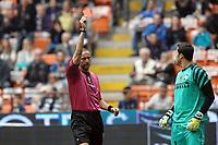 """Espulsione del portiere Julio CESAR da parte dell'arbitro Emidio MORGANTI<br /> Julio CESAR is sent off from referee Emidio MORGANTI<br /> Milano 23/4/2011 Stadio """"San Siro - Giuseppe Meazza""""<br /> Football / Calcio Campionato Italiano Serie A 2010/2011<br /> Inter Vs Lazio<br /> Foto Andrea Staccioli Insidefoto"""