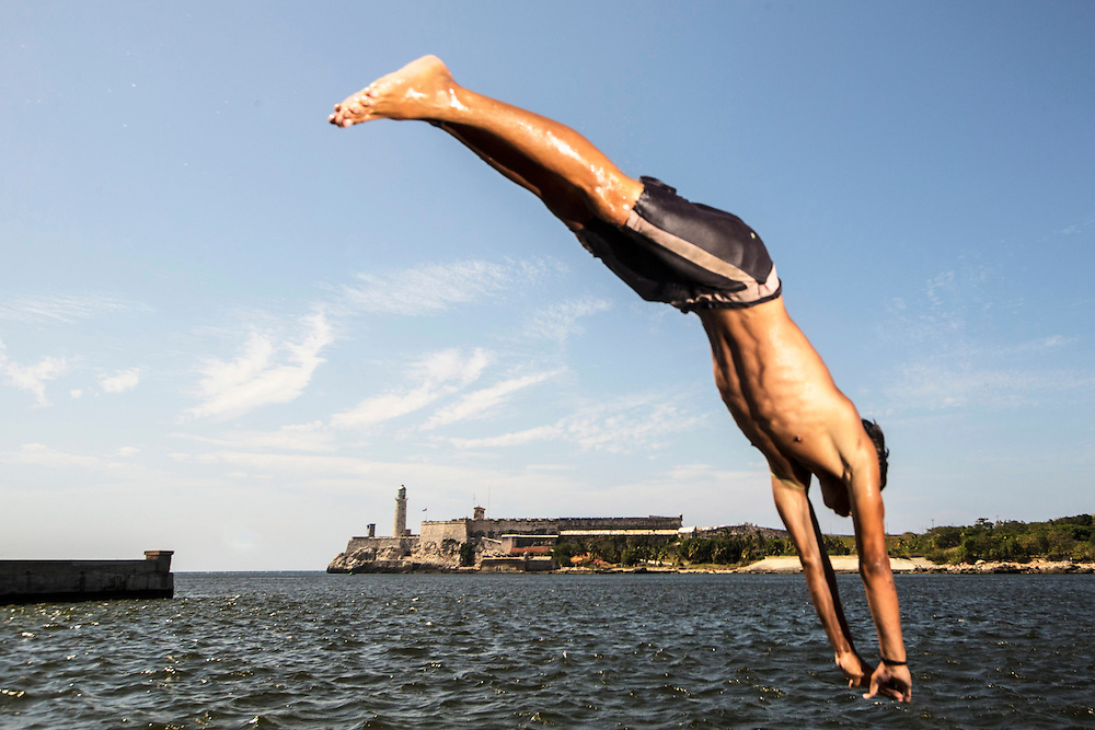 Diving on Malecon