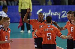 23-09-2000 AUS: Olympic Games Volleybal Nederland - Egypte, Sydney<br /> Nederland wint met 3-1 van Egypte / Bas van de Goor, Richard Schuil, Albert Cristina, Peter Blange