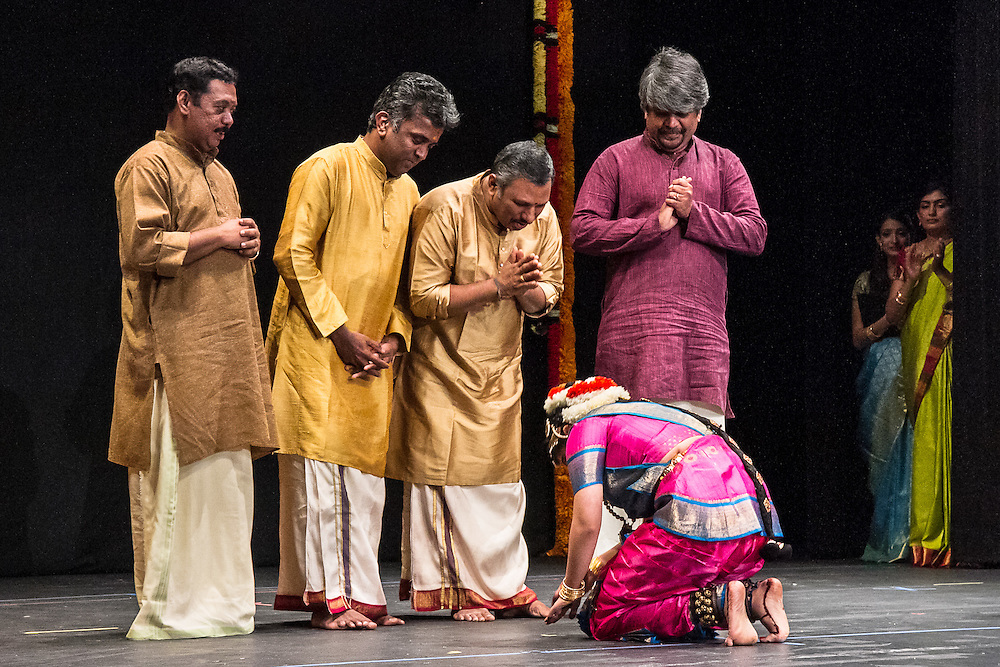 Lincroft, New Jersey, 9/20/14: Hema pays respect to the musicians from India who accompanied her arangetram performance