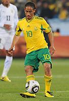 Fotball<br /> VM 2010<br /> Uruguay v Sør Afrika<br /> 16.06.2010<br /> Foto: Insidefoto/Digitalsport<br /> NORWAY ONLY<br /> <br /> Steven Pienaar (Uruguay)