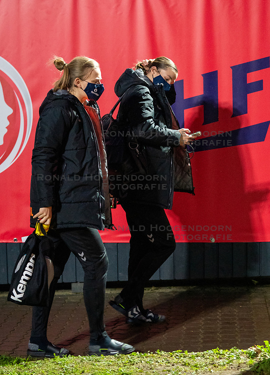 Dutch handball players Debbie Bont, Inger Smits on her way to training. The match during the first round of the European Championship handball against Serbia has been postponed for one day due to a corona case at the Serbian team on December 4, 2020 in Kolding