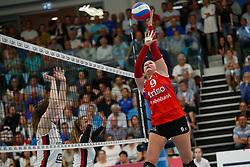 20190424 NED: Sliedrecht Sport - VC Sneek: Sliedrecht<br /> Nienke Tromp (9) of VC Sneek<br /> ©2019-FotoHoogendoorn.nl / Pim Waslander
