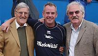 Fotball<br /> 2004/2005<br /> Foto: SBI/Digitalsport<br /> NORWAY ONLY<br /> <br /> Brighton v Sheffield United<br /> <br /> Coca-Cola Championship 02/10/04.<br /> <br /> Jimmy Hill, Norman Cook (aka Fatboy Slim) and Des Lynam support the Brighton cause.