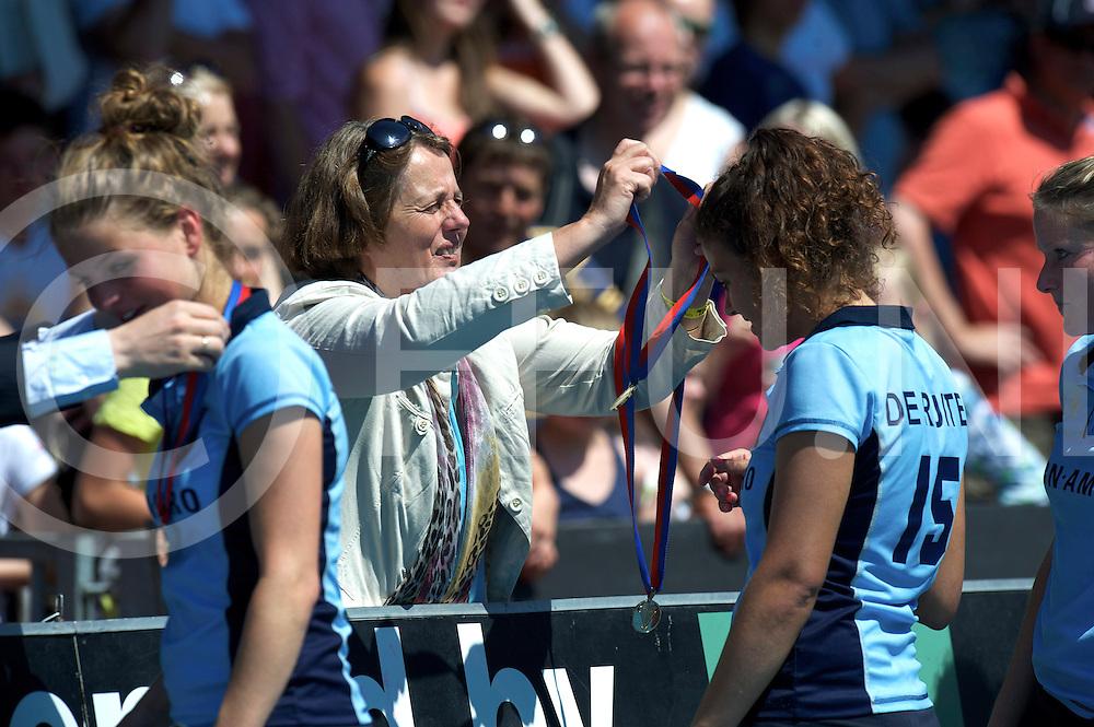 Amstelveen - Eurohockey Club Champions Cup<br /> Finale Laren - Den Bosch<br /> Medailles first place  gold<br /> FFU PRESS AGENCY COPYRIGHT FRANK UIJLENBROEK