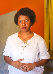 """PORTO ALEGRE, RS, BRASIL, 21-01-2017, 13h10'49"""":  Desiree dos Santos, 32, no Matehackers Hackerspace da Associação Cultural Vila Flores, no bairro Floresta da capital gaúcha. A  Consultora de Desenvolvimento de Software na empresa ThoughtWorks fala sobre as dificuldades enfrentadas por mulheres negras no mercado de trabalho.(Foto: Gustavo Roth / Agência Preview) © 21JAN17 Agência Preview - Banco de Imagens"""