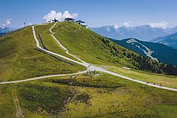 THEMENBILD - Wanderer auf der Schmitten, aufgenommen am 30. Juli 2020 in Zell am See, Österreich // Hikers on the Schmitten, Zell am See, Austria on 2020/07/30. EXPA Pictures © 2020, PhotoCredit: EXPA/ JFK