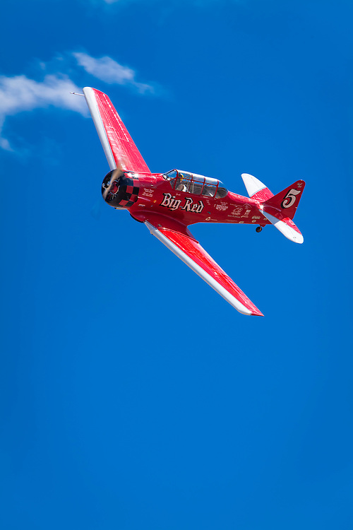 """SNJ-4 """"Big Red"""", flown by Joey """"Gordo"""" Sanders of Jasper, Alabama in the T-6 Gold Race, Sunday at Reno."""
