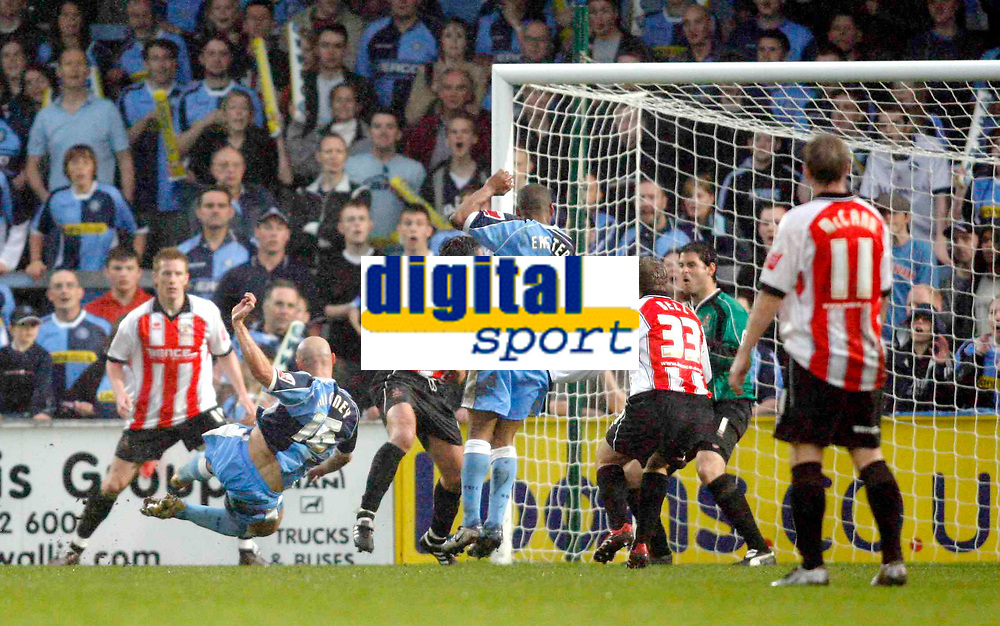 Photo: Marc Atkins.<br /> <br /> Wycombe Wanderers v Cheltenham Town. Coca Cola League 2, Play off Semi Final. 13/05/2006. Tommy Mooney of Wycombe score's