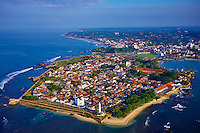 Sri Lanka, province du sud, district de Galle, Galle, Vieille ville classée patrimoine mondial de l'UNESCO, vue aerienne du fort // Sri Lanka, Southern Province, South Coast beach, Galle town, Dutch fort, UNESCO World Heritage site, aerial view