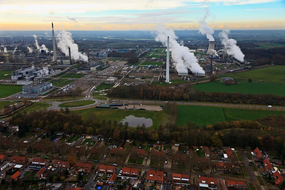 Nederland, Limburg , Geleen, 15-11-2010; woonwijk Krawinkel - arbeidersbuurt grenzend aan Chemelot, DSM luchtfoto (toeslag), aerial photo (additional fee required).foto/photo Siebe Swart